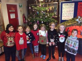 Primary Three enjoy Christmas Jumper Day!