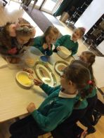 Pancakes 'n mixing in Fun Club