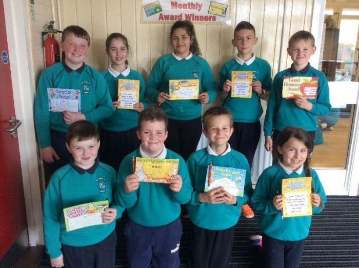 Award winners from Mrs Perry's, Miss Hart's and Mr O'Hare's P7 classes.